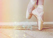 国分寺 ダンススタジオ の床は滑りにくく踊りやすい床材です。
