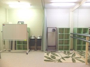 国分寺貸しスタジオ『国分寺プレイススタジオ』倉庫と着替えスペース