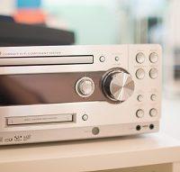 CD iPon が使える 音楽デッキ、ス ピーカー 接続しています。